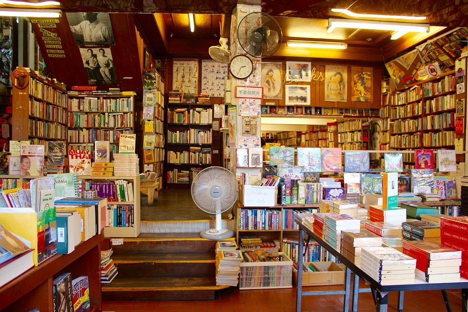 8 maneras de elegir (y sitios para encontrar) libros en español en Madrid
